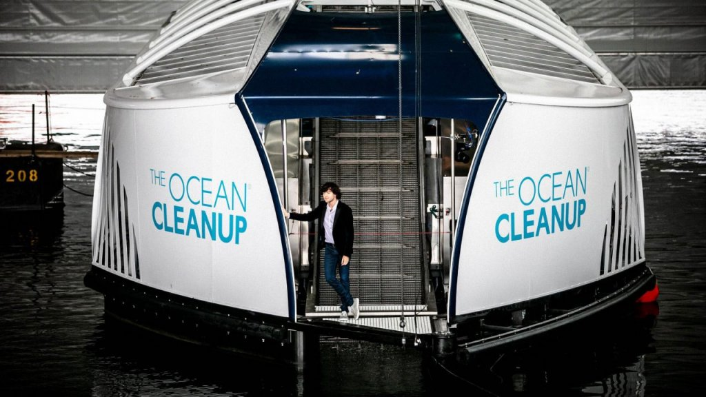 "Mit ""The Interceptor"" sammelt The Ocean Cleanup Plastik aus Flüssen"