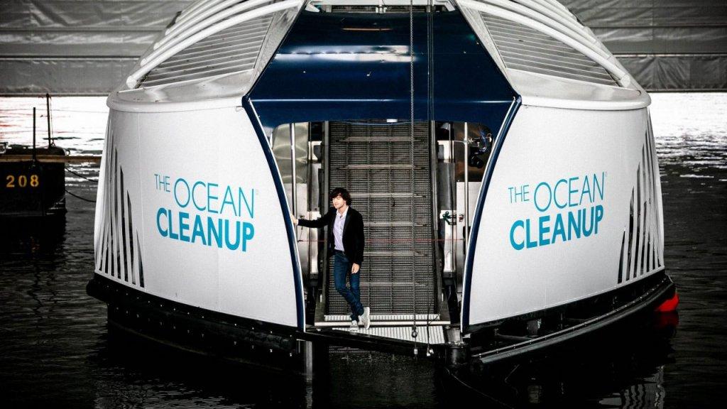 """Mit """"The Interceptor"""" sammelt The Ocean Cleanup Plastik aus Flüssen"""